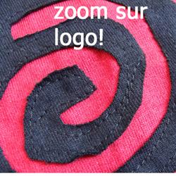 Robe WAR Logo Rouge Style 'déchiré'